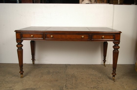 ENGLISH GILLOWS MAHOGANY WRITING DESK